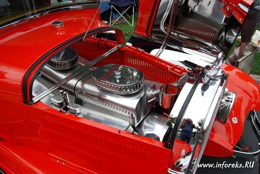 Выставка автомобилей в городе Кэмпбелл, США 35