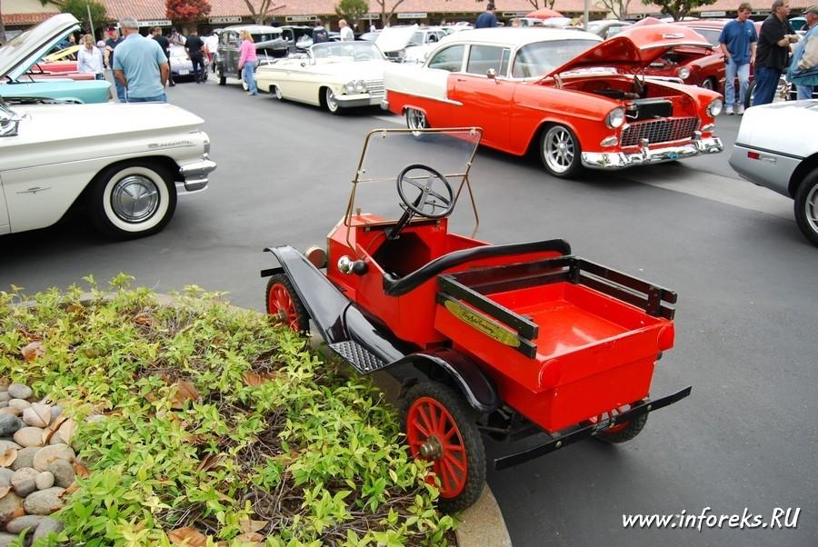 Выставка автомобилей в городе Кэмпбелл, США 33