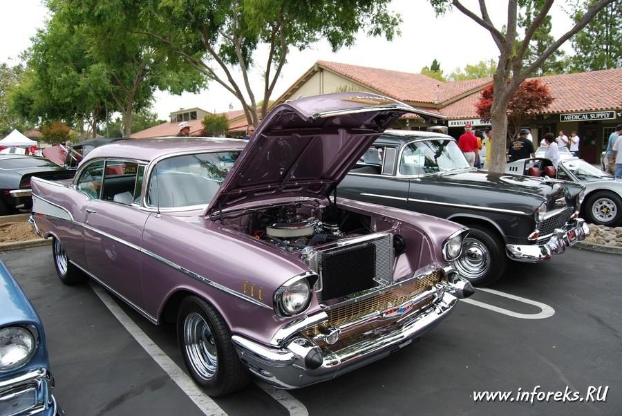 Выставка автомобилей в городе Кэмпбелл, США 19