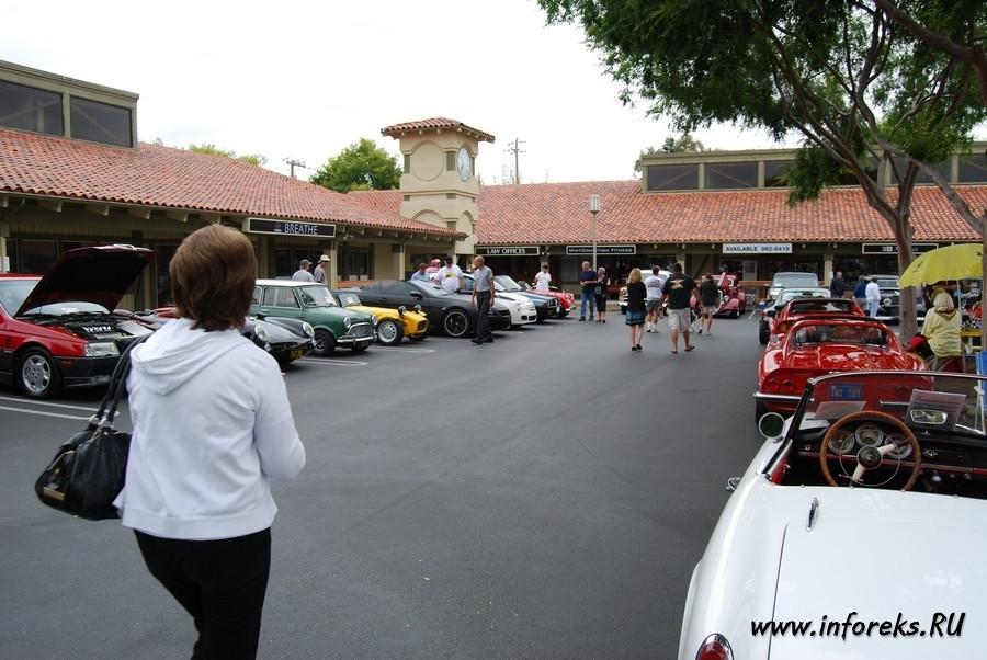 Выставка автомобилей в городе Кэмпбелл, США 17