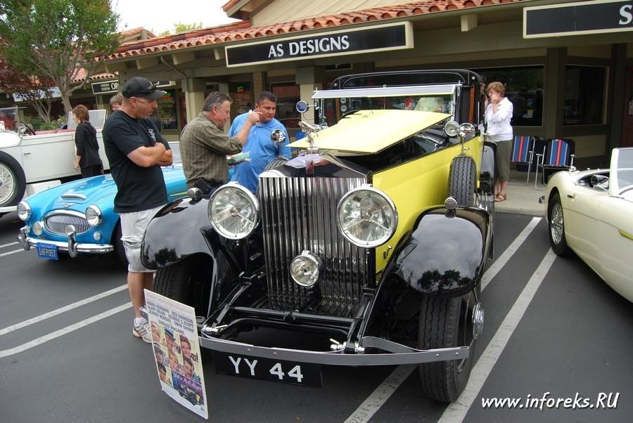 Выставка автомобилей в городе Кэмпбелл, США 7