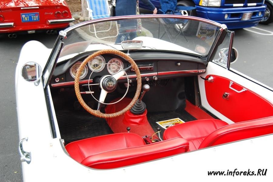 Выставка автомобилей в городе Кэмпбелл, США 61