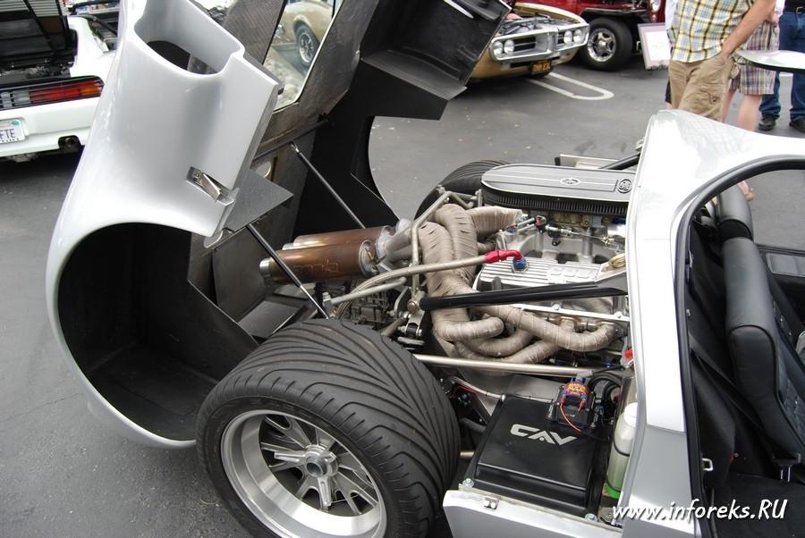 Выставка автомобилей в городе Кэмпбелл, США 55
