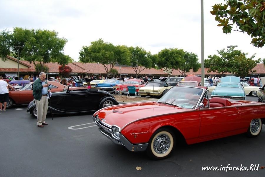 Выставка автомобилей в городе Кэмпбелл, США 37
