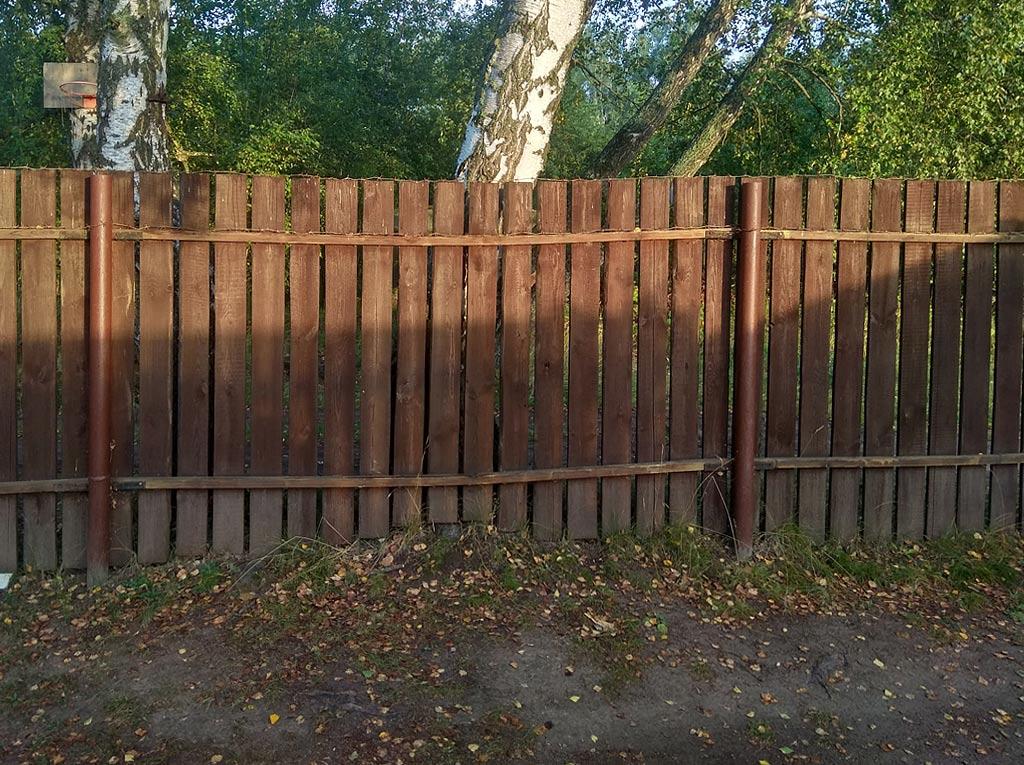 Как выровнять провисший деревянный забор. 6